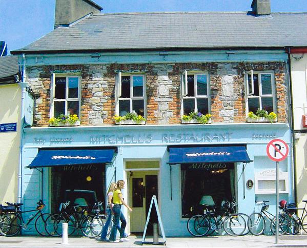 Mitchell 39 s seafood restaurant restaurants in connemara for Mitchell fish market menu